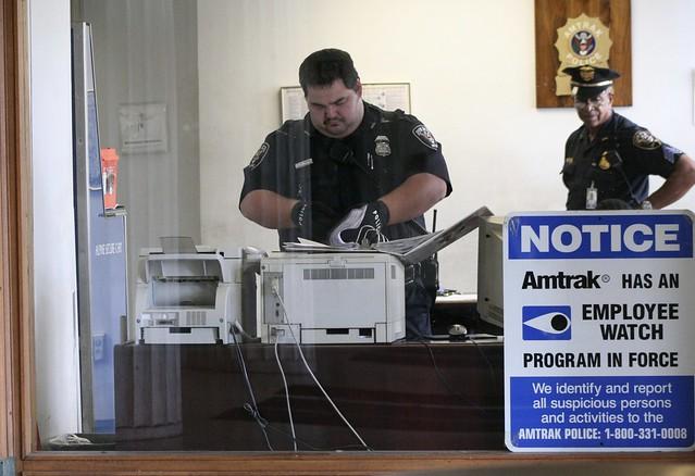 09.AmtrakPolice.PennStation.BaltimoreMD.16oct08