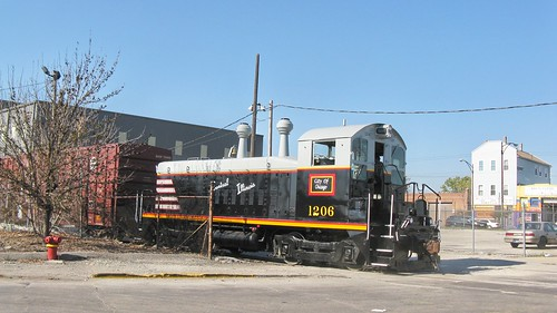Repainted Central Illinois Railroad EMD SW-9 # 1206 pushing train past the South Wood Street railroad crossing. Chicago Illinois. Friday, October 31st,  2008. by Eddie from Chicago