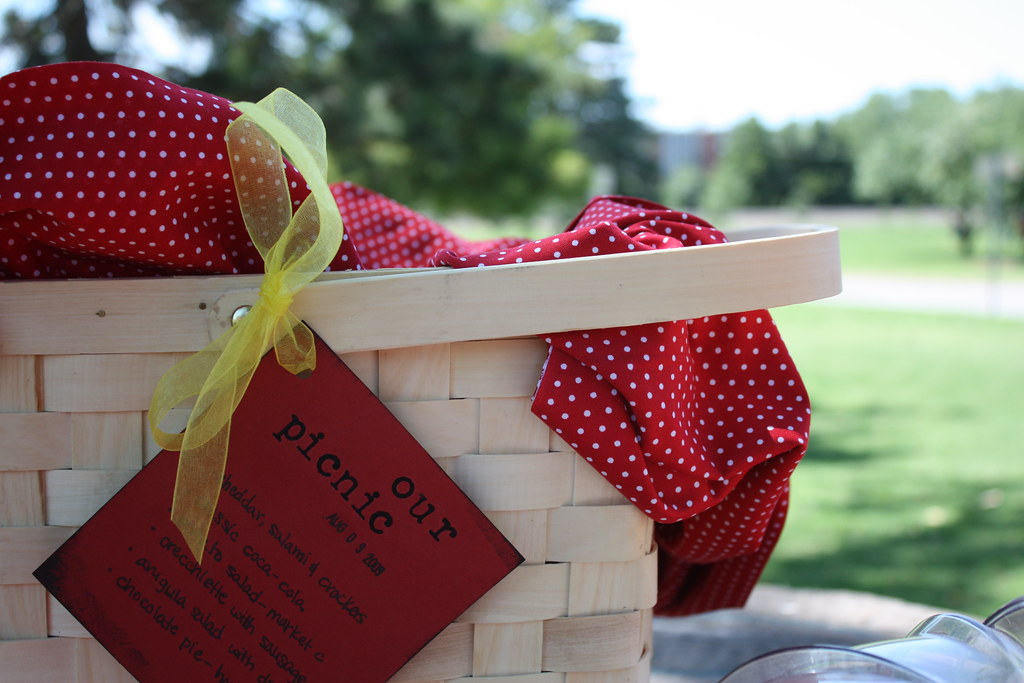 Picnic Basket by Paul and Christa, on flickr