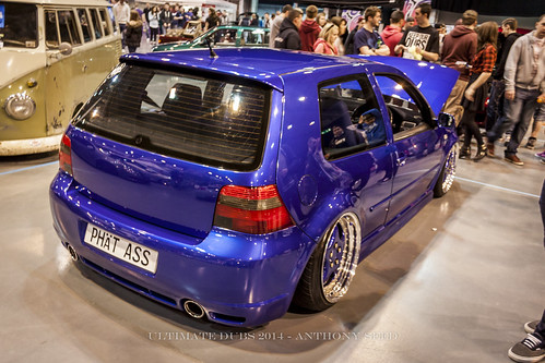 UD Indoors - VW Golf R32