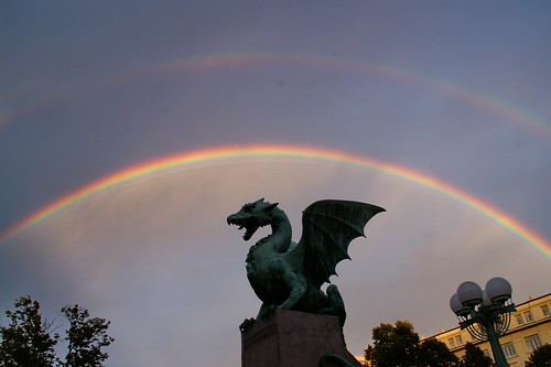 travel viaje arcoiris geotagged rainbow escultura slovenia ljubljana eslovenia smörgåsbord helluva scilpture luciojosémartínezgonzález luciojosemartinezgonzalez globalbackpackers geo:lat=460530583333328 geo:lon=145106955555578