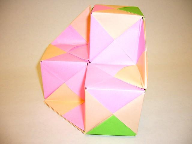 04-sonobe-triangular-cupola-half-inverted   I wondered ...