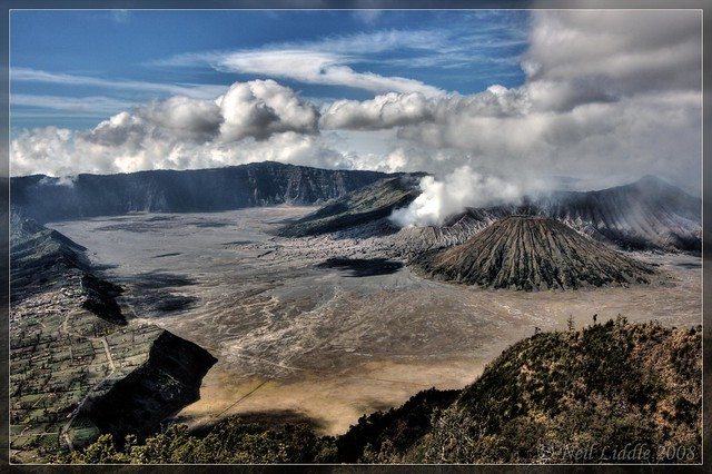 View of the Tengger caldera crater from Penanjakan