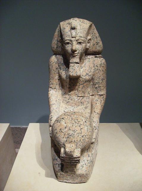 Small Size Kneeling Statue Of Hatshepsut Flickr Photo