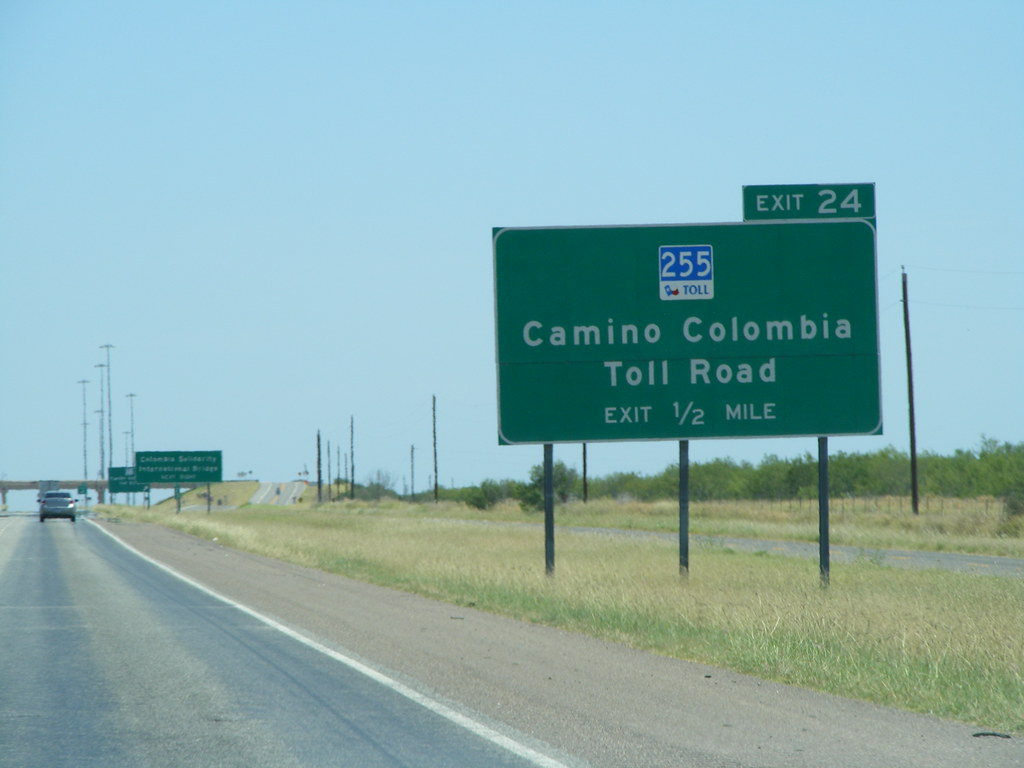 Guide sign for SH 255 Toll