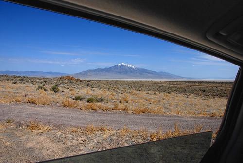 window car utah desert sienna toyota wendover greenweenie pilotpeak ut2008may leppypass