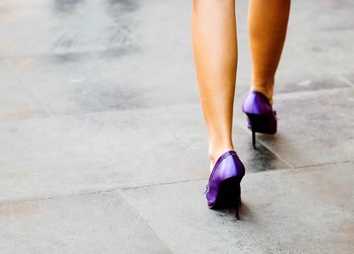violet walking by juliusfrumble