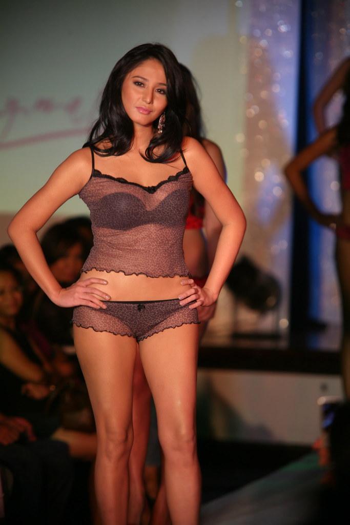 pinay modell naken