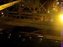 traffic heading across the brooklyn bridge