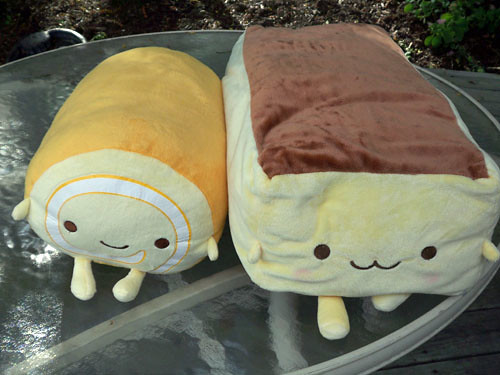 Roll Cake and Castella pillows