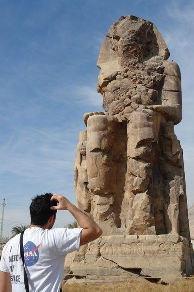 Colosos de Memnón Templos a la orilla del río Nilo en Egipto - 2474549060 d1b8b5d3d7 o - Templos a la orilla del río Nilo en Egipto