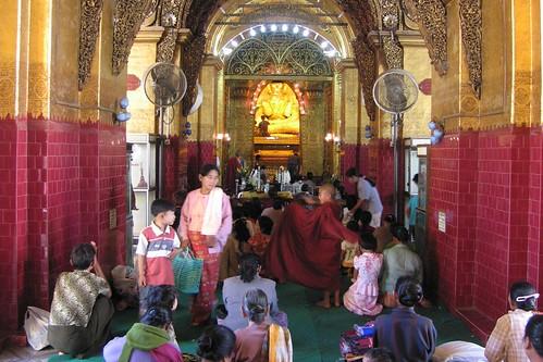 Mahamuni Buddha - Mandalay Myanmar