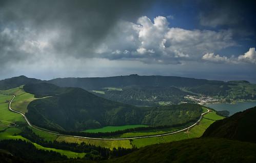 portugal geotagged nuvens azores lagoaazul açores setecidades henrydavidthoreau pontadelgada lagoadesantiago lagoarasa jorgecardoso caldeiraseca geo:lat=37847968 geo:lon=25758519 caldeiradoalferes picodacruz