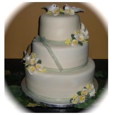 Cake Designs Without Icing : Wedding cake, fondant icing Flickr - Photo Sharing!