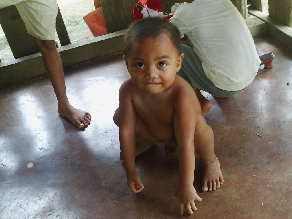 naked children philipin