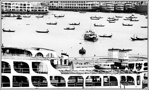 Small boats, Big boats. [..Dhaka, Bangladesh..]