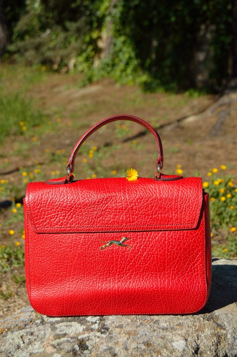 lara-vazquez-madlula-blog-red-bag-bimbaylola-details