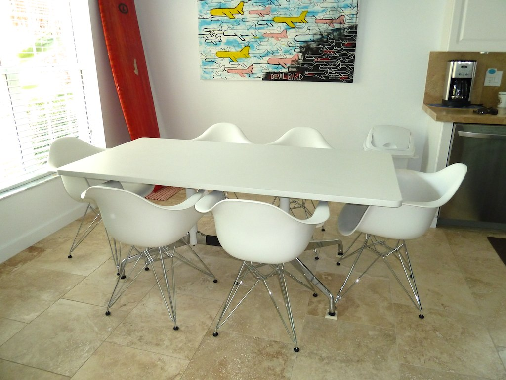 Eames Plastic Molded Dining Chair Eames Dining Table By Flickr