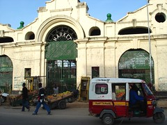 Market & tuk tuk, Mombasa