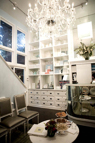best furniture stores in los angeles in los angeles and furniture auctions. Black Bedroom Furniture Sets. Home Design Ideas