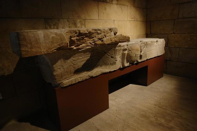 Interior del templo de Debod en Madrid Templo de Debod de Madrid, vínculo eterno con Egipto - 2981082383 27254e8305 z - Templo de Debod de Madrid, vínculo eterno con Egipto