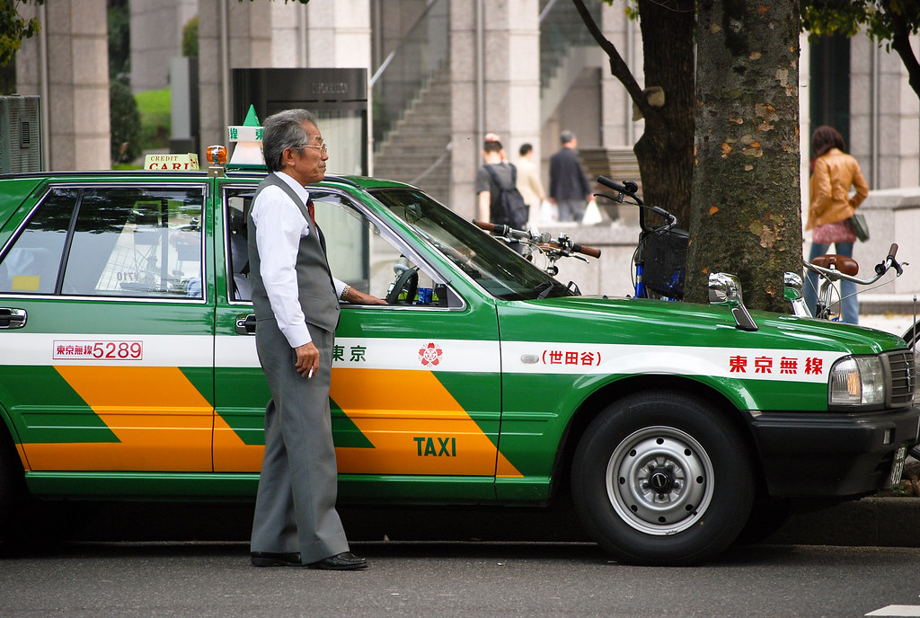 Green and Yellow Taxi Cab | Théo | Flickr