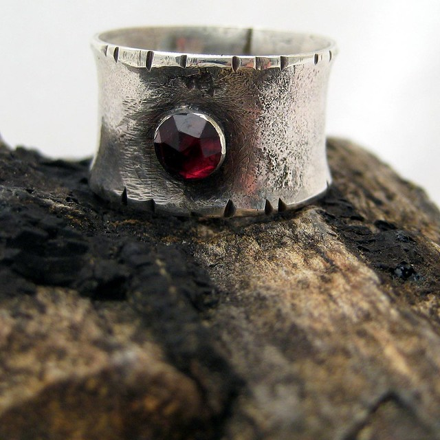medieval rose garnet ring 4