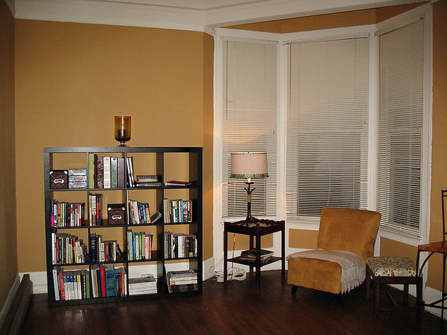 Colors That Go With Brown Bedroom Furniture