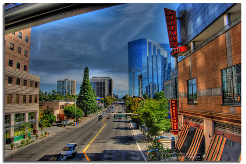 travel usa 3 st america way square washington nikon unitedstates state united unitedstatesofamerica ne edgar lincoln wa states washingtonstate mapping tone bellevue hdr 8th maggianos gonzález mapped exp photomatix tonemapped tonemapping d80 3exp hdrphotography hdrphoto of nikond80 afuoco licolnsquare 1855mmf3556gii wowiekazowie edgargonzález fotoguia ne8thst bellevuewayne
