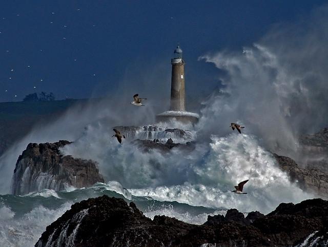 Faro de Mouro.Santander.Olas.Waves.storm0834DSC