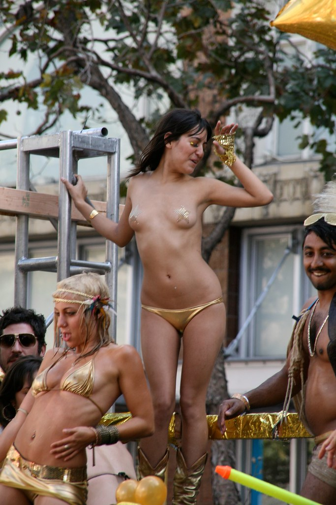 ... Dancing almost naked Girl   by Egil Fujikawa Nes