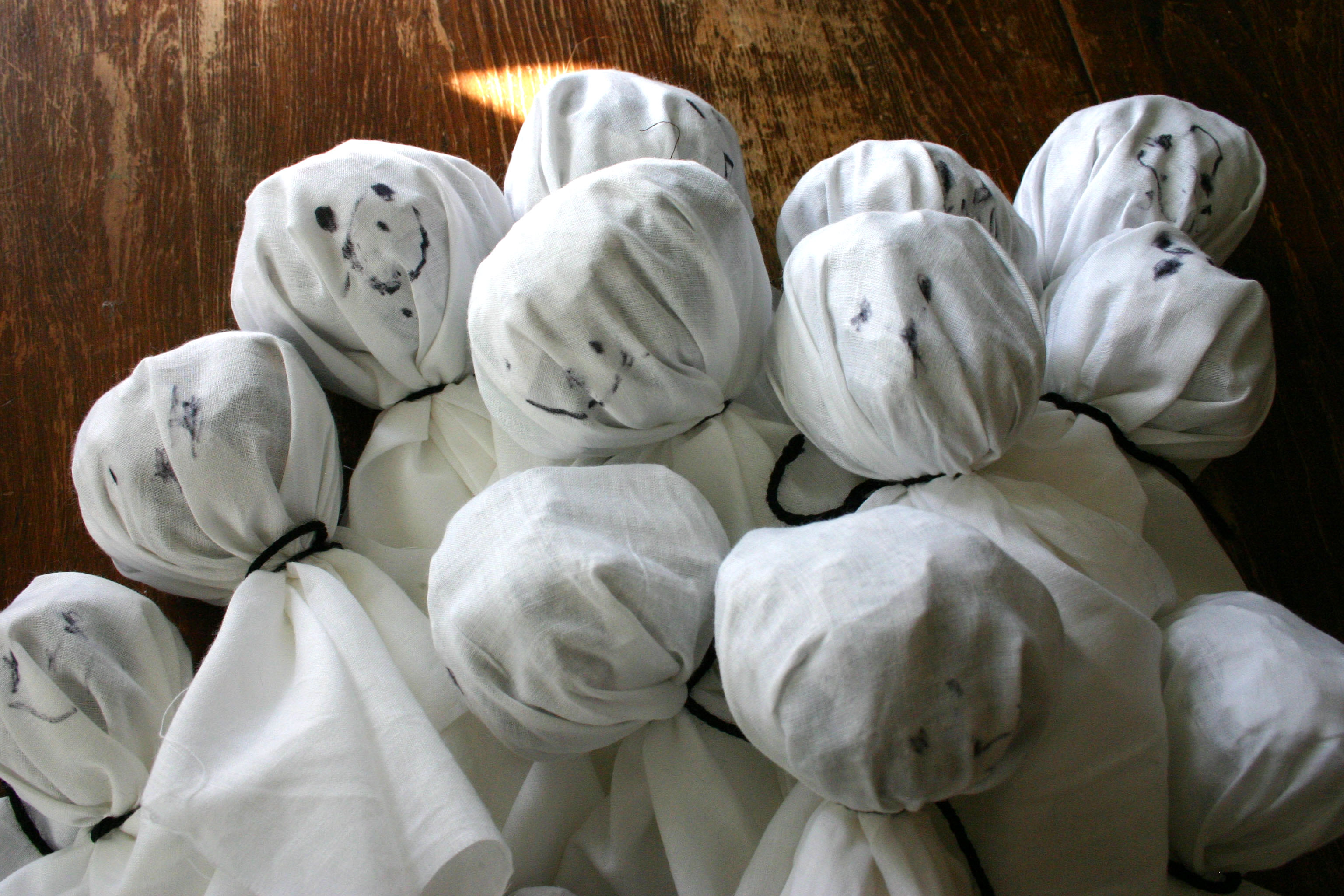 Cheap and Easy Ways to Decorate Your Home for Halloween