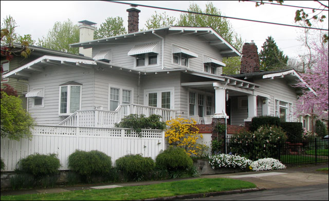 Laurelhurst airplane bungalow flickr photo sharing for Airplane bungalow house plans