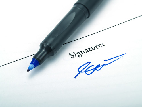 Signature by Benko Zsolt