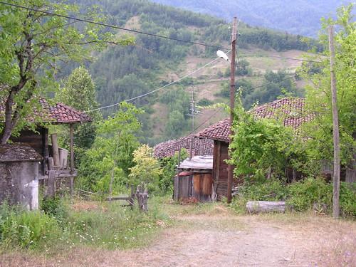 Szalmafalva, faházak
