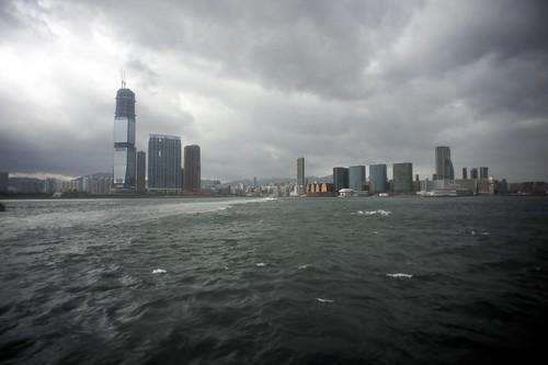 颱風下的維港