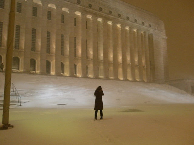 Parlamento de Helsinki con las nieves