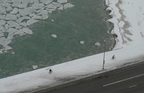 Hearty commuters on the bike path
