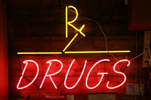 Chữ viết tắt Rx sau tên thuốc có nghĩa là gì?
