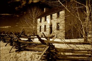 Stone House जवळ Sudley की छवि. architecture virginia 19thcentury civilwar manassas infrared bullrun matthews stonehouse