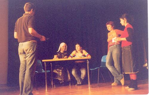Ensayo de Entre Tinieblas (2003)