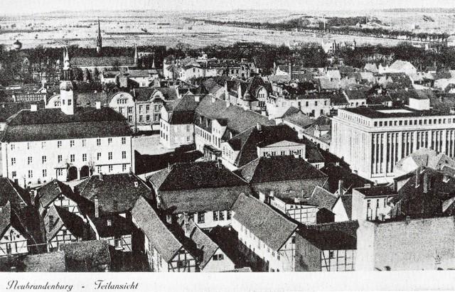 Neubrandenburg Marktplatz - Luftbild 30er Jahre