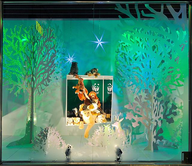 loeb vor weihnachten schaufenster zauberwald explore. Black Bedroom Furniture Sets. Home Design Ideas