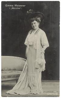 "Emma Meissner i ""Niniche"" (1908)"