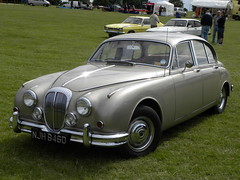 jaguar mark ix(0.0), bmw 501(0.0), compact car(0.0), automobile(1.0), executive car(1.0), daimler 250(1.0), jaguar mark 2(1.0), vehicle(1.0), mid-size car(1.0), jaguar mark 1(1.0), mitsuoka viewt(1.0), antique car(1.0), sedan(1.0), classic car(1.0), vintage car(1.0), land vehicle(1.0), luxury vehicle(1.0), jaguar s-type(1.0),