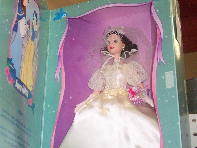 We don 39t know what Snow White 39s wedding dress would have looked like