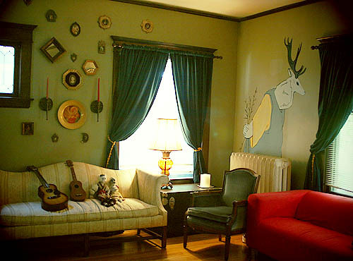 Paint ideas accenting a green living room cool paint - Cool room painting ideas ...