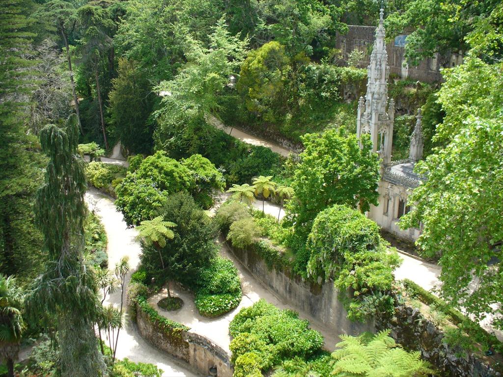 Sintra coloridos palacios y bosques junto a lisboa 2 for Jardines quinta da regaleira