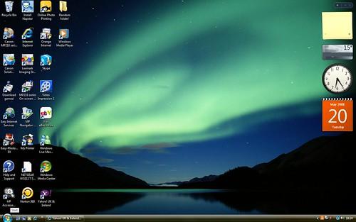 Windows Vista Desktop 2509245068 b3a66f9bd3 jpgWindows Vista Default Desktop