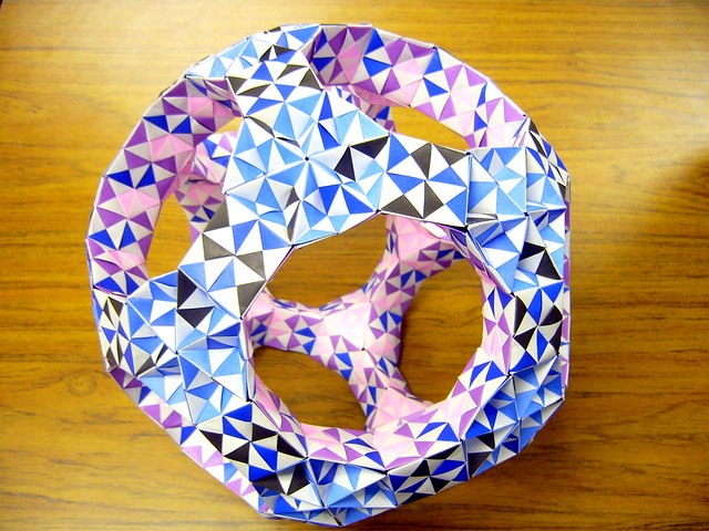 pinwheel-sonobe-unit-great-rhombicosidodecahedron.3